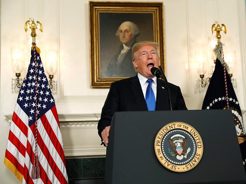 Президент США Дональд Трамп объявил об изменении американской политики по отношению к соглашению с Ираном по ядерной программе