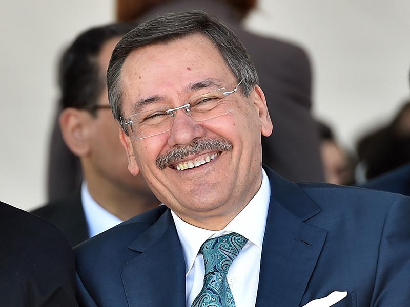 Мэр Анкары, возглавлявший столицу Турции 23 года, объявил об отставке