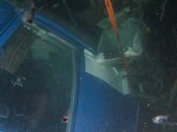 """Спасатели извлекли из воды тело одного из восьми россиян, находившихся на борту потерпевшего крушение у Шпицбергена вертолета """"Ми-8"""""""