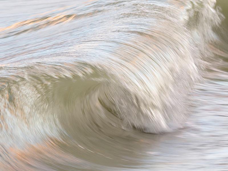 Ученые определили по черепу древнейшую жертву цунами, произошедшего 6 тысяч лет назад
