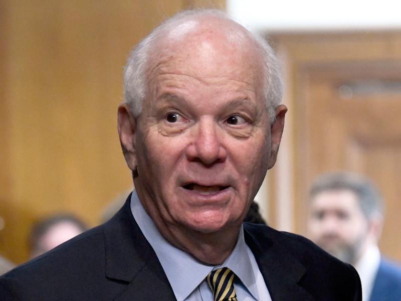 В сенате США выразили недовольство из-за задержки введения новых санкций против РФ