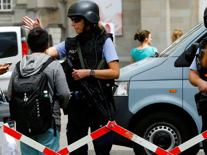 В Швейцарии подросток с топором напал на людей