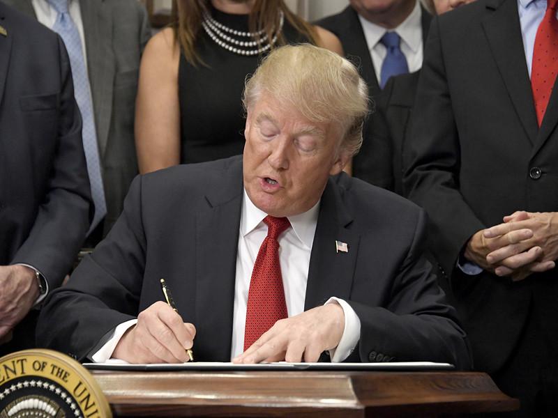 Трамп подписал указ о реформировании системы здравоохранения Obamacare