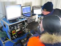 """Специалисты МЧС России опустили аппарат """"Фалькон"""", который обследовал фюзеляж Ми-8 и лопасти вертолета. Благодаря робототехническому комплексу российские спасатели получили необходимую информацию о положении обломков воздушного судна на дне"""
