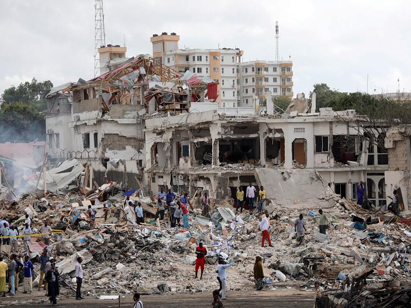 Число жертв взрыва в столице Сомали приближается к 200
