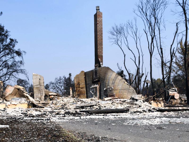 Опустошение и ужас: число жертв пожаров в Калифорнии достигло 40 человек