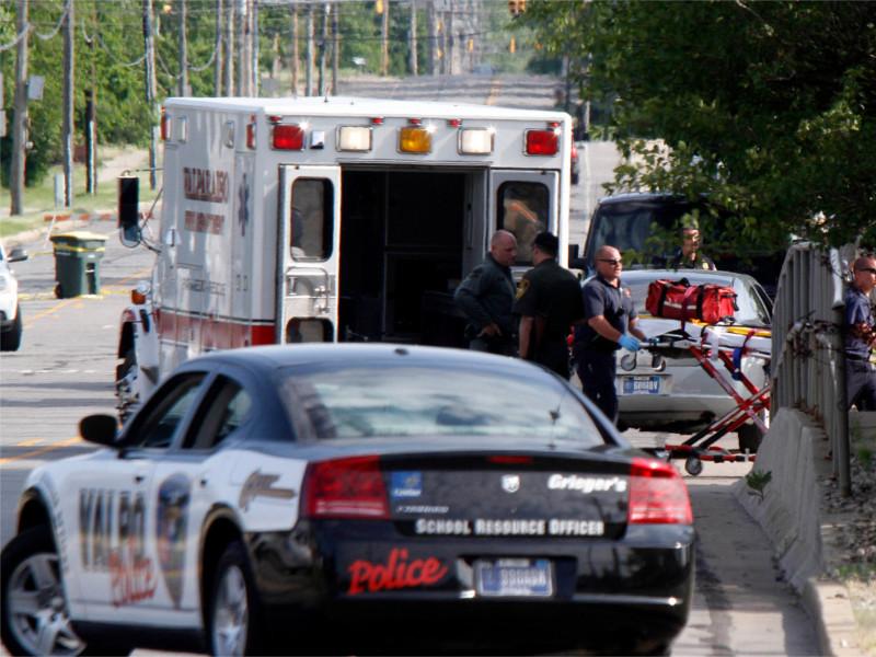 В США легкомоторный самолет сел на шоссе и таранил автомобили