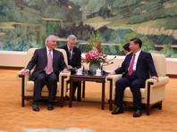 Тиллерсон накануне провел переговоры с руководством Китая, после которых заявил, что у США сохраняются прямые каналы связи с КНДР, по которым они пытаются выяснить, готовы ли в Пхеньяне к переговорам
