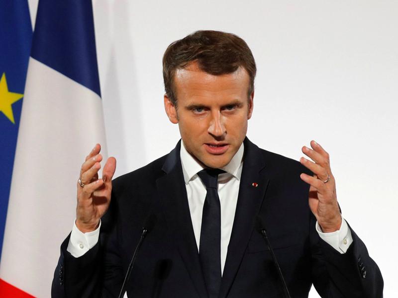 Президент Франции Эмманюэль Макрон готов приехать в мае 2018 года на экономический форум в Санкт-Петербурге, однако официально об этом объявлять пока не будут в связи с предстоящими президентскими выборами в России