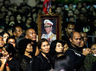 В Таиланде спустя год хоронят короля: гражданам запрещено кричать и делать селфи