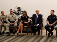 """Трамп в Лас-Вегасе похвалил спасательные службы и людей """"невероятного города"""""""