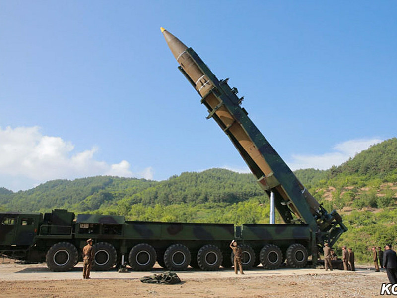 Ракеты КНДР угрожают европейским странам, признал генсек НАТО