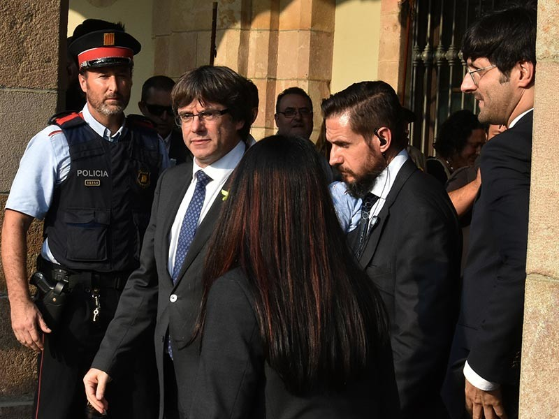 Пучдемон и члены каталонского правительства уехали в Бельгию
