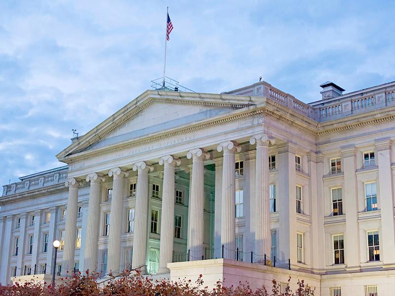 """100 дней до приказа: Минфин США выполняет наказ Трампа вскрыть """"темные стороны"""" российской политики и бизнеса накануне выборов президента"""