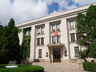 """""""КНДР официально обозначила свою позицию по данному вопросу при голосовании в ООН и исходит из того, что Крым является неотъемлемой частью Российской Федерации. Аналогичным образом в Пхеньяне относятся к вопросу о принадлежности Курильских островов"""", - отметили в посольстве"""