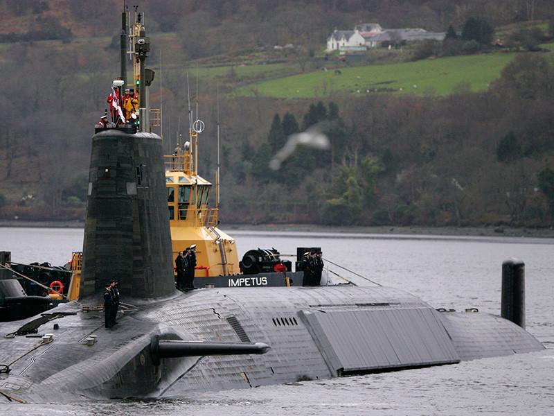 Капитана британской подлодки с ядерным вооружением сняли с боевого патрулирования за роман с подчиненной