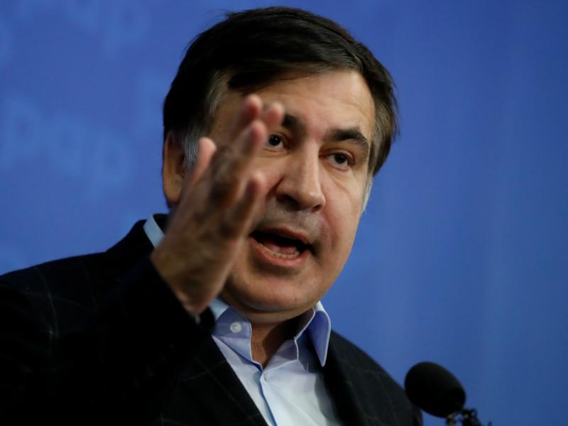 """Саакашвили представил протестующим в центре Киева свой план """"спасения Украины за 70 дней"""""""