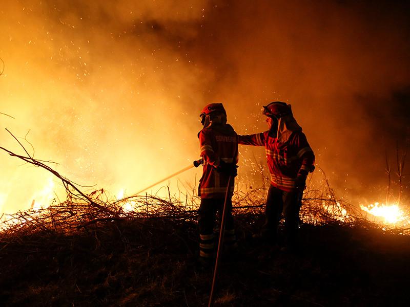За выходные в Португалии и Испании при пожарах погибли около 40 человек