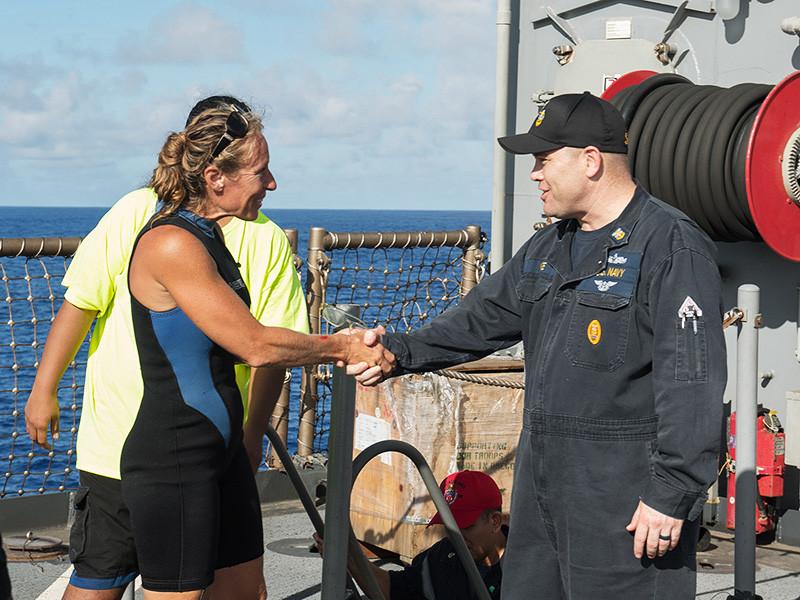 В рассказе двух американских яхтсменок, чудом спасенных в Тихом океане, нашли нестыковки