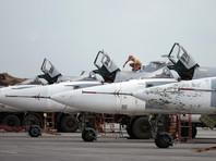 """Российские самолеты Су-24 на авиабазе """"Хмеймим"""" в Сирии, май 2016 года"""