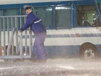 """В Японии начали массовую эвакуацию из-за мощного тайфуна """"Лан"""""""