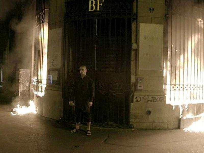 Арестованный во Франции художник Павленский объявил голодовку