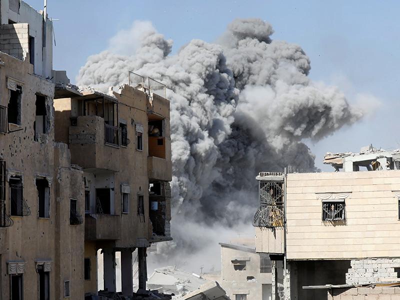 Сирийская армия окружила боевиков ИГ* в Меядине