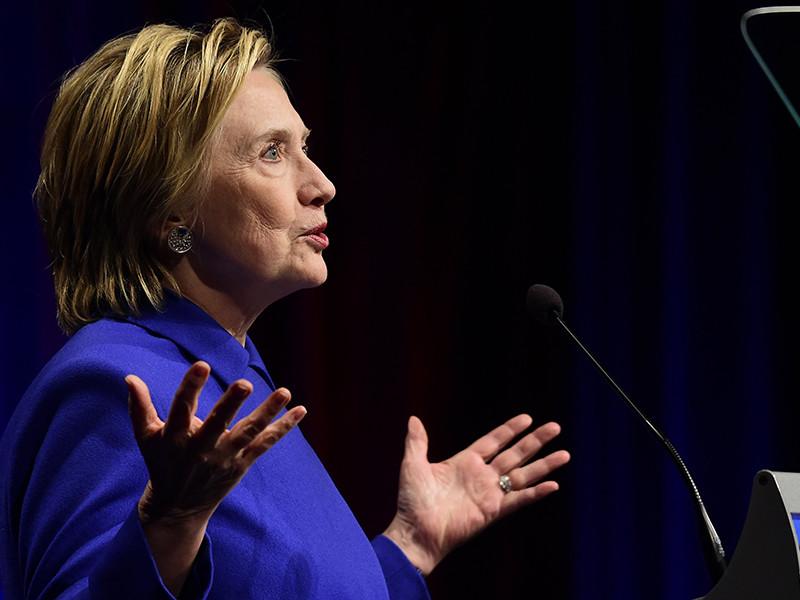 Журналисты обнаружили видеоблогеров, якобы поддерживавшихся Кремлем и пытавшихся через свой канал дискредитировать экс-госсекретаря Хиллари Клинтон, выступавшую в качестве кандидата в президенты США от Демократической партии на выборах в ноябре 2016 года