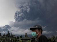 Власти Индонезии объявили максимальный уровень опасности из-за вулкана Агунг на Бали
