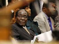 По данным издания, утром Мугабе собирался провести совещание правительства, но те пренебрегли этим требованием