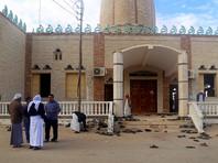 Нападение на мечеть Эр-Рауда в пригороде Эль-Ариша было совершено во время пятничной полуденной молитвы, когда там находилось около 400 человек. В скоординированной атаке участвовали до 30 человек