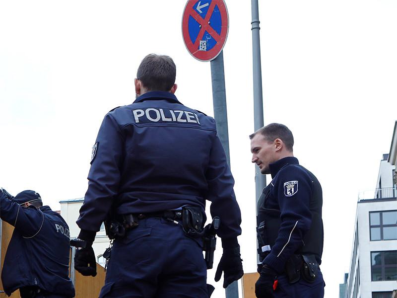 Едва не задавивший группу пешеходов в Берлине водитель сам явился в полицию