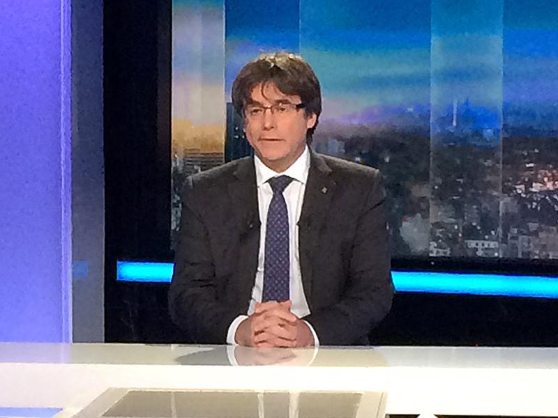 Бывший глава женералитата (правительства) Каталонии Карлес Пучдемон и еще четыре экс-министра правительства автономии сдались бельгийской полиции