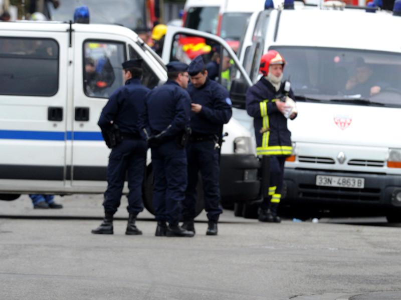 Под Тулузой автомобиль въехал в толпу пешеходов: 3 человека пострадали