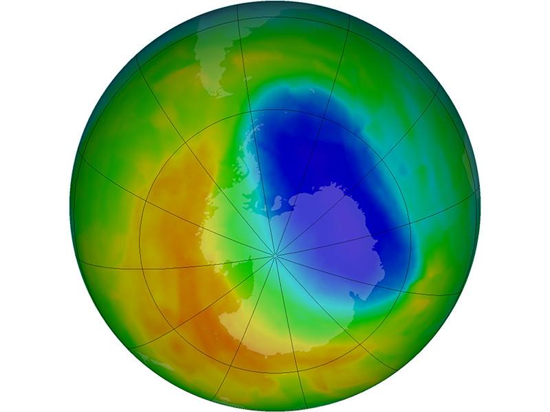 Наблюдения за 2017 год показали, что так называемая дыра в озоновом слое Земли, образующаяся в конце каждой зимы в Южном полушарии над Антарктикой, оказалась самой маленькой из всех зафиксированных с 1988 года