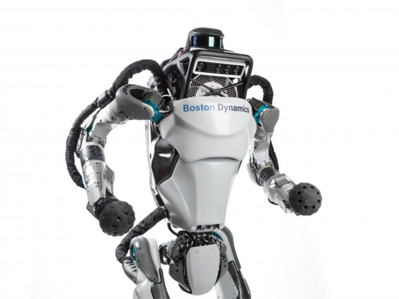 Boston Dynamics научила робота Atlas делать сальто