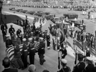 Джон Фицджеральд Кеннеди был убит 22 ноября 1963 года в Далласе (штат Техас) во время проезда кортежа по Элм-Стрит
