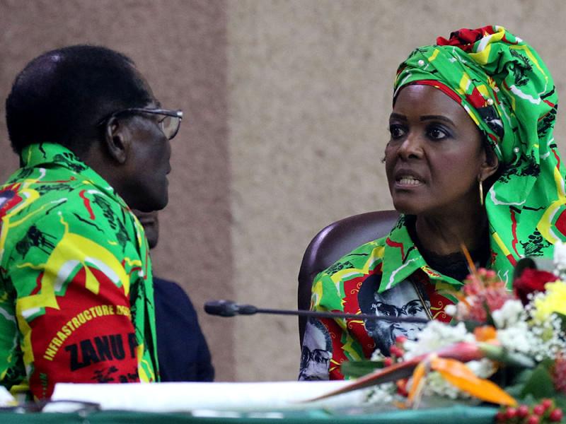 Военные Зимбабве предъявили ультиматум старейшему президенту в мире