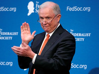 Генпрокурор США перед своим выступлением разогрел публику шутками про контакты с русскими