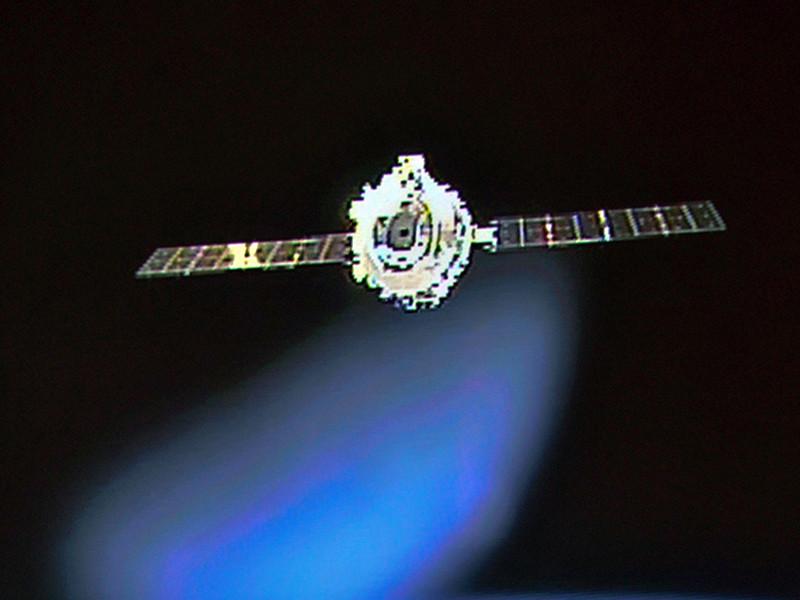 """Первая космическая станция Китая """"Тяньгун-1"""" с сентября прошлого года вышла из-под контроля.  Вероятно, приземление произойдет во временном промежутке с января по март 2018 года. В зоне риска находятся Испания, Италия, Турция, Индия и некоторые части США"""