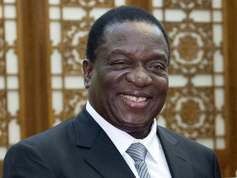 Новым лидером Зимбабве вместо ушедшего в отставку Роберта Мугабе станет бывший вице-президент страны Эммерсон Мнангагва