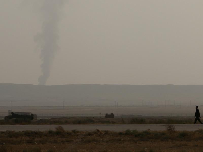 Десятки человек погибли в результате теракта в лагере беженцев у Дейр-эз-Зора