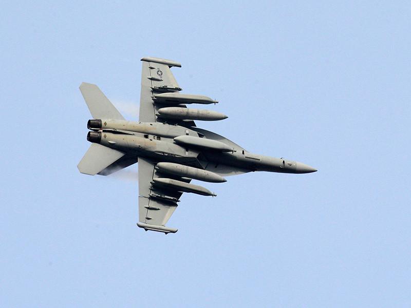 Экипаж ВВС США отстранили от полетов за нарисованный в небе пенис (ФОТО)