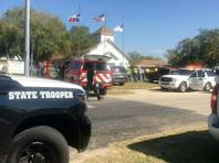 Стрельбу в баптистской церкви в американском городе Сазерленд-Спрингс открыл 26-летний бывший военнослужащий Девин Патрик Келли. Погибли 26 человек, еще около 20 получили ранения