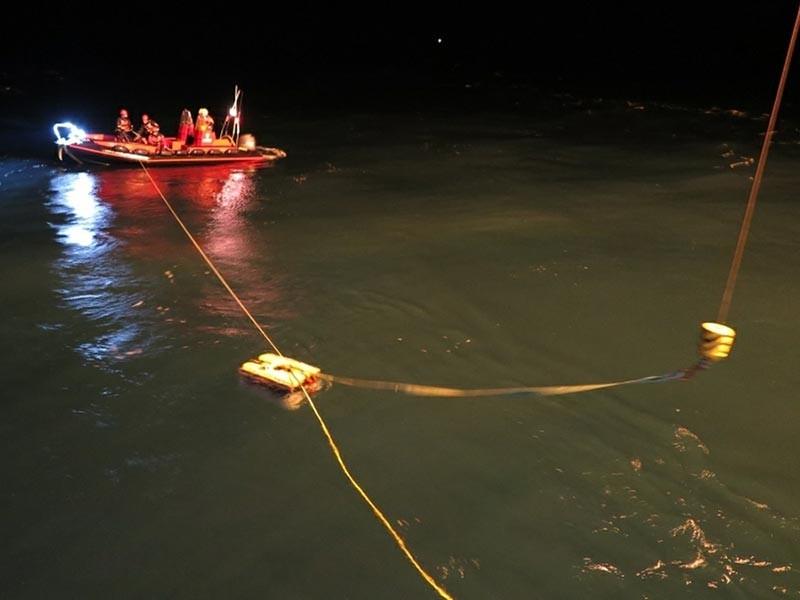 Норвежские спасатели обнаружили спасательный жилет с российского вертолета Ми-8, упавшего 26 октября у побережья норвежского архипелага Шпицберген, сообщает ТАСС со ссылкой на сотрудника пресс-службы губернатора Шпицбергена Гюннара Йохансена
