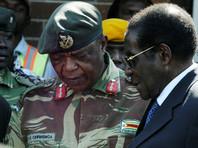 Президент Зимбабве Мугабе готовится уйти в отставку, находясь в заложниках у военных