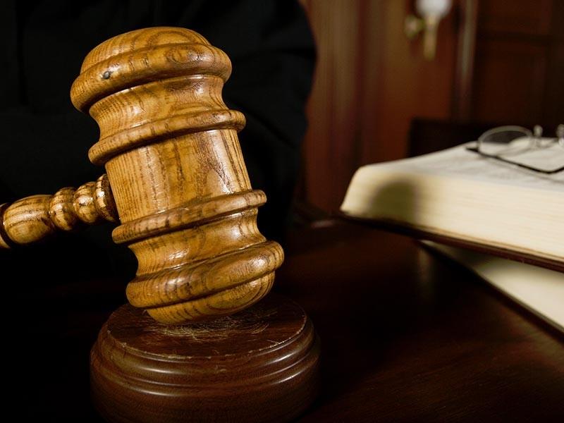Уездный суд Южной Карелии вынес приговор двум россиянам, которые в сентябре совершили попытку суицида на ступенях парламента в Хельсинки. Молодые люди тогда заявили, что они гей-пара из России и бежали от преследований, которым подвергались на родине