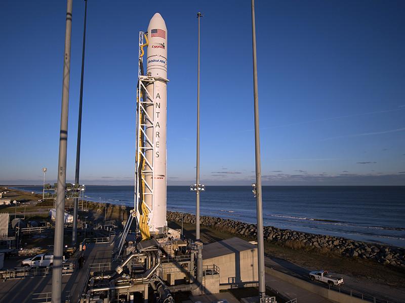 Американское аэрокосмическое агентство отложило запуск к Международной космической станции ракеты-носителя Antares с грузовым кораблем Cygnus. Новая дата - 12 ноября