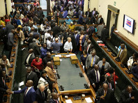 Парламент Зимбабве включил в повестку вопрос об импичменте президента страны Роберта Мугабе