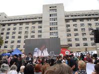 В ходе открытого судебного процесса, который длился пять лет, были представлены документальные доказательства того, что аргентинских политзаключенных заключенных казнили, сбрасывая с самолетов. 29 палачей получили пожизненные сроки